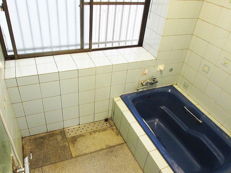 林兼石油6-25福岡県みやま市浴室リフォーム施工前