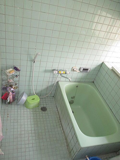 浴室リフォーム福岡県筑紫野市N様邸施行前1