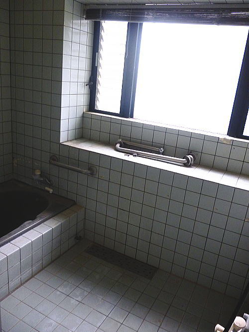 浴室リフォーム熊本県熊本市南区O様邸施行前1