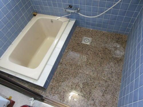 浴室床リフォーム戸建て施工前 大牟田市