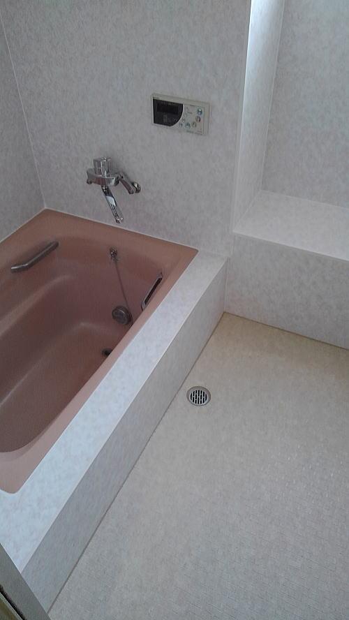 浴室床壁リフォーム鹿児島市施行後1