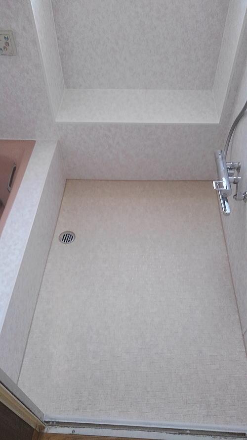 浴室床壁リフォーム鹿児島市施行後2