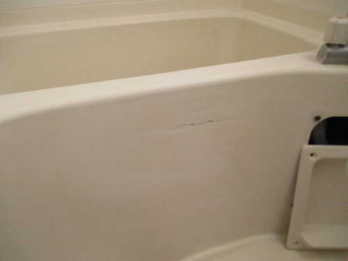 アパートユニットバス浴槽ひび割れリフォーム鹿児島市施工前1