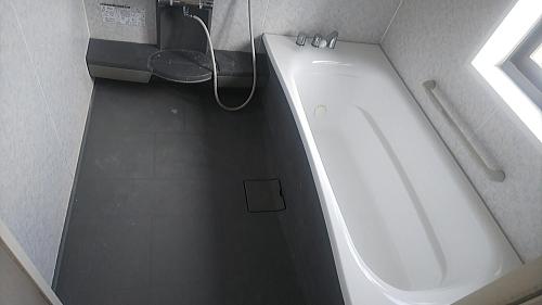 ユニットバス浴槽塗装格安リフォーム佐賀県伊万里市施工後2