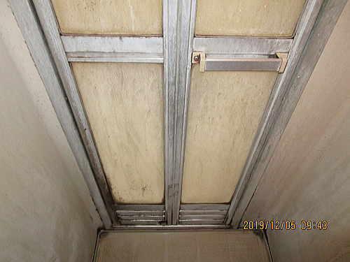 工場シャワー室ユニット型リフォーム福岡市施工前4