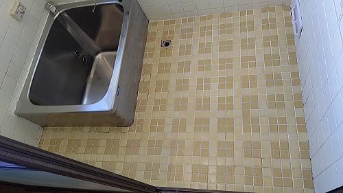戸建て従来浴室タイル床リフォーム佐賀県神埼市施工前1