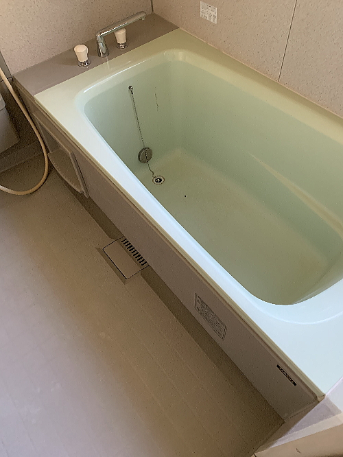 戸建ユニットバス浴槽ひび割れリフォーム大分県臼杵市施工前2