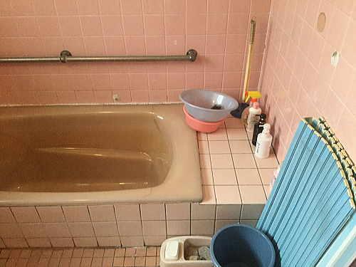 戸建従来浴室リフォーム博多区施工前2