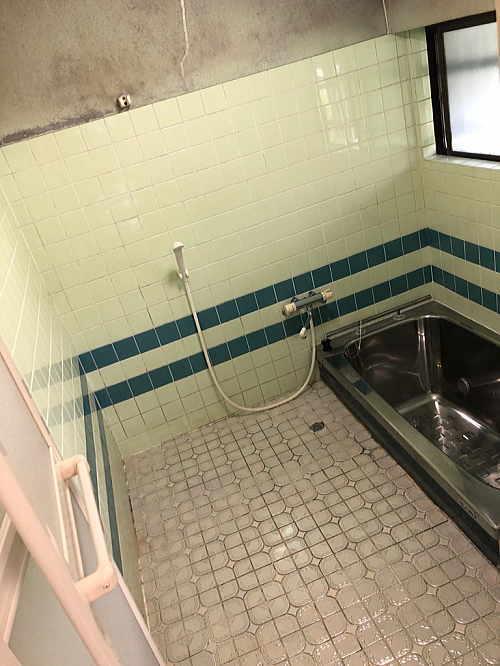 戸建従来浴室リフォーム大牟田市施工前1