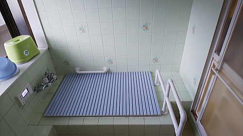 戸建従来浴室床壁リフォーム佐賀県武雄市施工前2