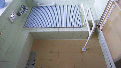 戸建従来浴室床壁リフォーム佐賀県武雄市施工前3