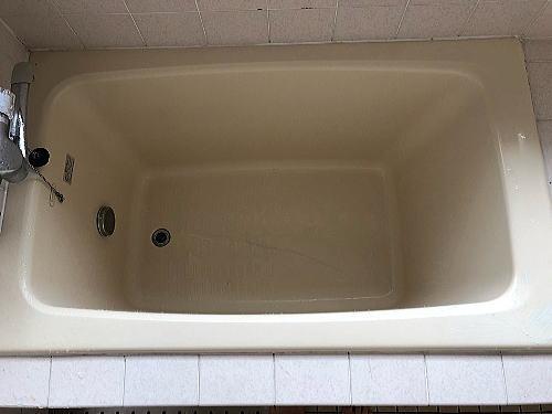 浴槽ひび割れ補修施工前2