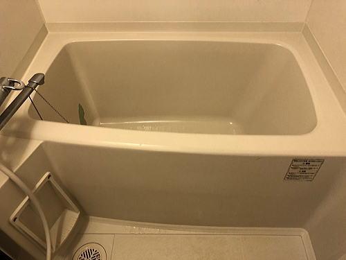 賃貸マンションユニットバス浴槽リフォーム熊本市施工前2